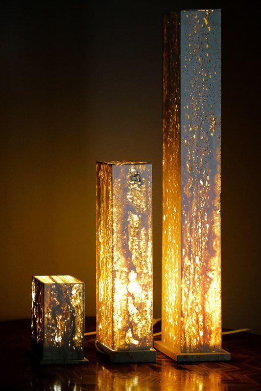 Đèn epoxy trang trí phòng khách.